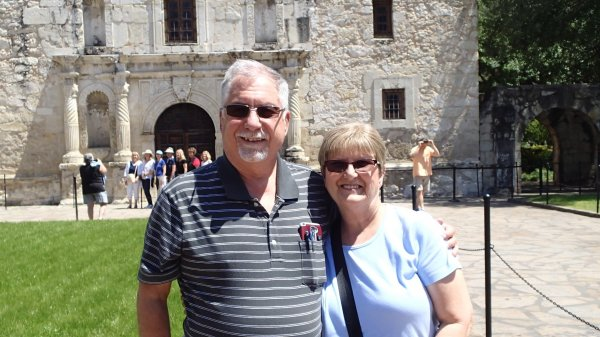 Skip & Nancy at the Alamo P4110088