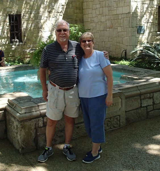 Skip & Nancy at the Alamo P4110106